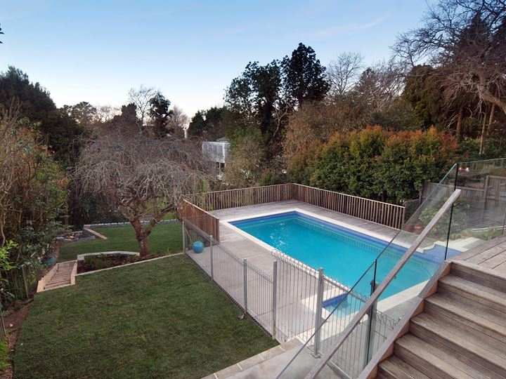 Remurea Rennovation, Lawns, deck, swimming pools, and Planting