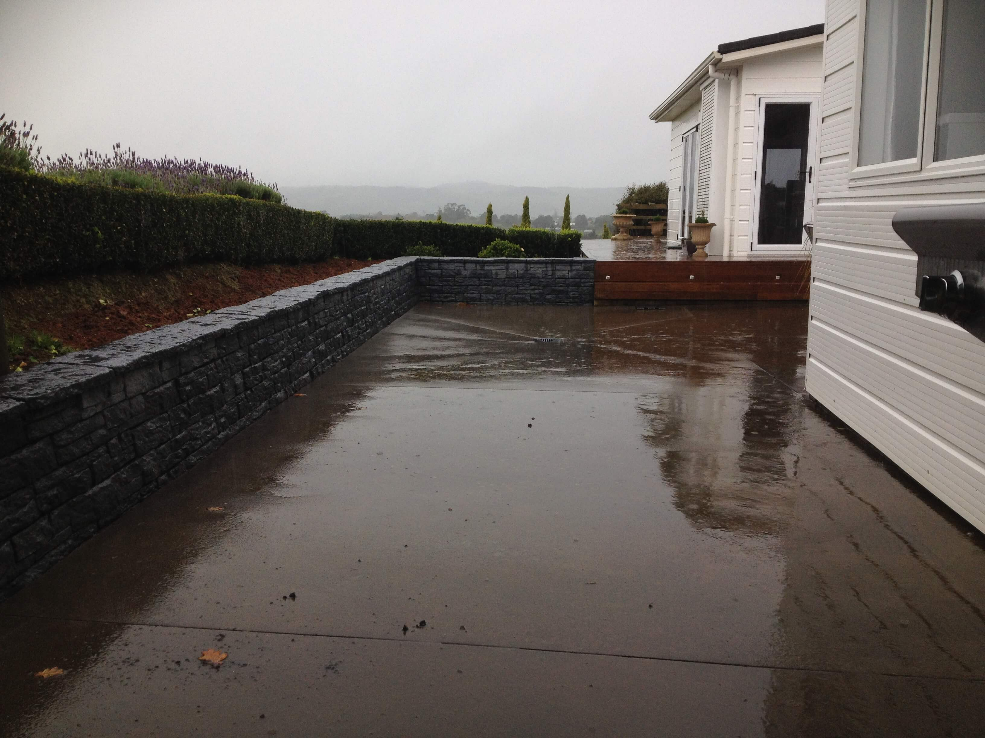 Stone wall and retaining wall